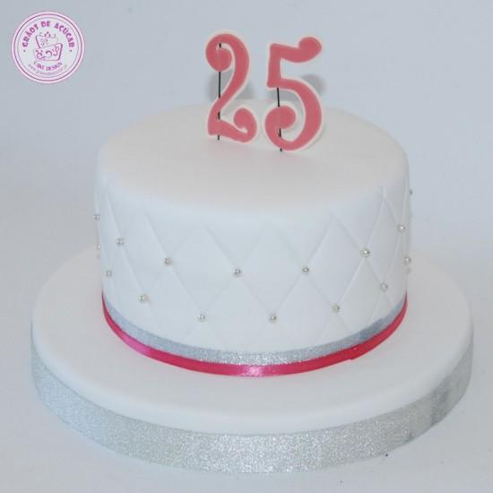 Bolo 25 Anos - Grãos de Açúcar - Bolos decorados - Cake Design a1ca794c05